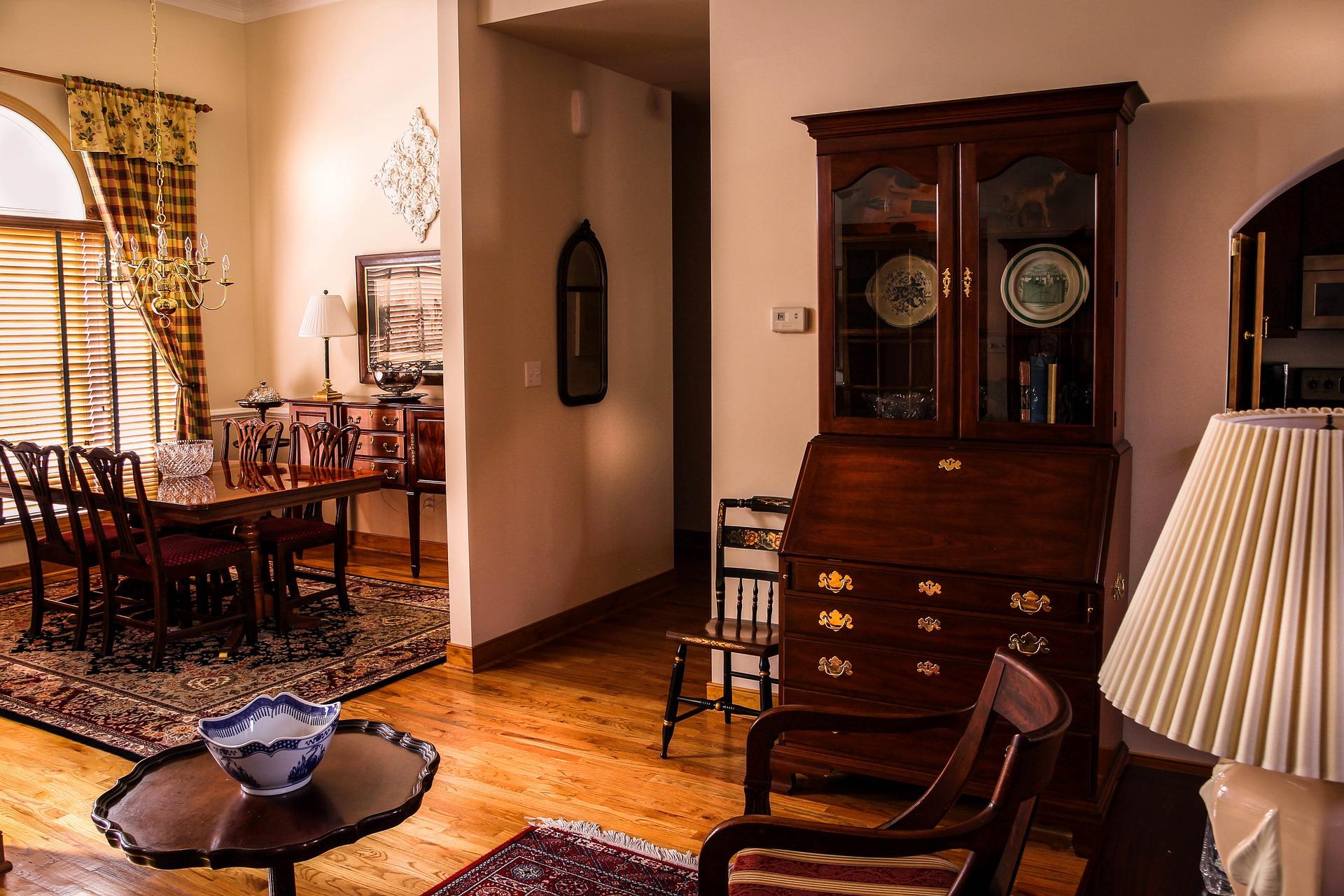 dining-room-670242_1920