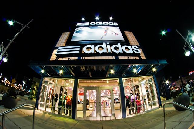 obchod značky Adidas
