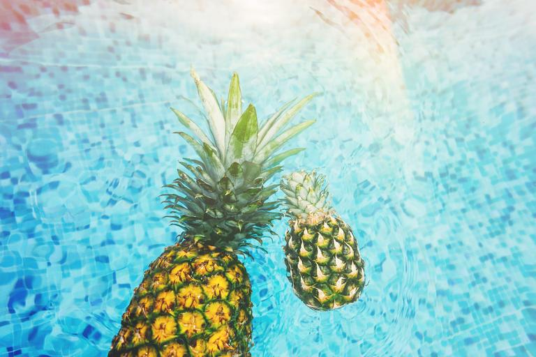 bazén s ananasy.jpg